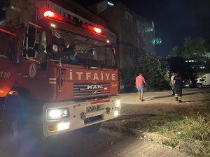 Tekstil atölyesinin elektrik panosunda çıkan yangın korkuttu
