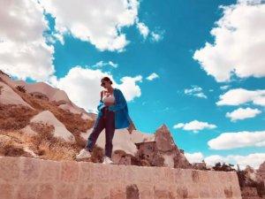 Güzel oyuncu Demet Özdemir'in Kapadokya fotoğraflarına beğeni yağdı