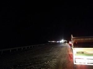 Aşırı yağışlar sürücülere zor anlar yaşattı