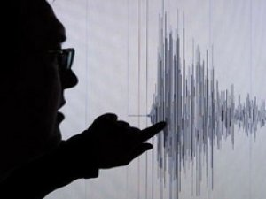 Ege'de 4.9 büyüklüğünde deprem!