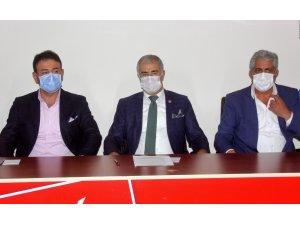 CHP'li Beşiktaş Belediye Başkanı Akpolat'tan gazetecilere zarf içerisinde 500 TL