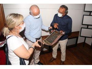 Gültak, son aşama gelen Mersin'e İz Bırakanlar Müzesindeki çalışmaları inceledi