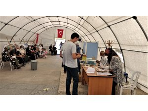 Kırşehir'de mobil çadırda aşılama rekoru