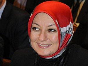 Nihal Bengisu Karaca'dan Hayrunnisa Gül'e ağır sözler!
