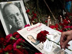 Uğur Mumcu yaş gününde mezarı başında anıldı