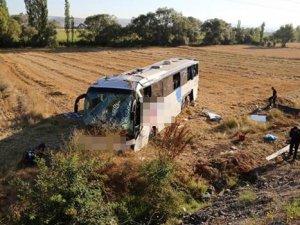 Eskişehir'de yolcu otobüsü devrildi: 42 yaralı