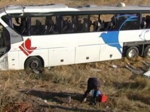 Yolcu otobüsü şarampole yuvarlandı: 42 yaralı!