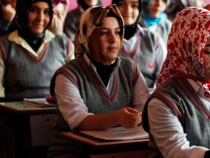 134 bin öğrenciyi MEB yerleştirdi 40 bini imam hatibe yerleşti