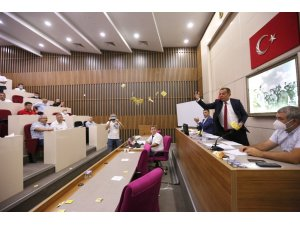 Bolu Belediye Meclisinde yabancılara su zammı gerginliği