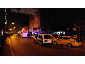 Gece kulübü önünde silahlı çatışma: 2 yaralı
