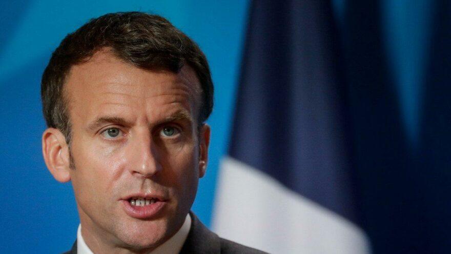 Fransa'da yeni kimlik kartı öfkesi: Macron Fransa'yı küçük düşürdü