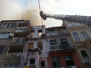 İstanbul Beyoğlu'nda yangın çıktı!