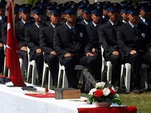 Paralel mağduru polislere rütbe müjdesi!