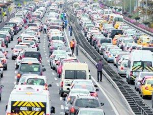 Boğaziçi Köprüsünde intihar girişimi! trafik kilit
