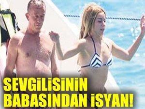 Ağaoğlu'nun sevgilisinin babası isyan etti!
