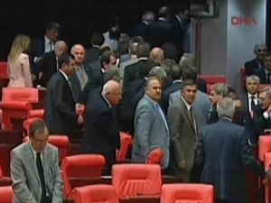Erdoğan yemin etti, CHP'nin protestosuyla karşılaştı!