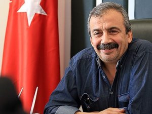 Sırrı Süreyya Önder:Türküm, tedavi oluyorum!