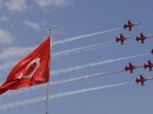 Türk Yıldızları'ndan nefes kesen şov!