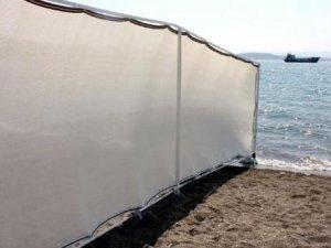 İzmir plajı paravanla çevrildi