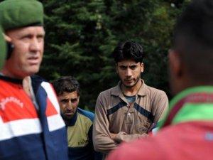 Bagaj yolcusu mülteciler ihbar edildi