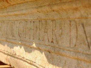 Çanakkale'de Parion kazılarından 2 bin yıllık tarihi yazıt çıktı!