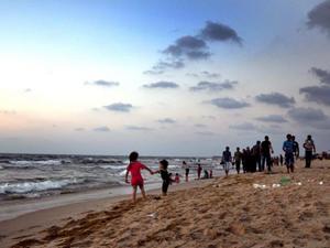 Kalıcı barışın ardından Gazzeliler sahile akın etti