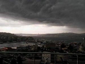 İstanbullular sokağa çıkmayın !
