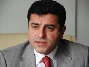 Demirtaş'tan şok açıklama: Türkiye PKK'ya silah versin!