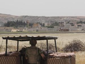 Sınırda, 3'ü asker 4 yaralı