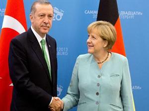 Erdoğan Merkel'e o soruyu sordu: Bizi neden dinlediniz?