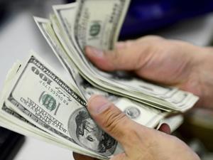 Avrupa ve ABD'de faizler düştü, sıcak para Türkiye'ye akabilir