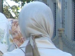Pamukkale Üniversitesinde başörtülülere diploma yok!