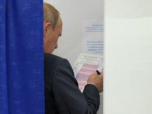 Putin yerel seçim oyunu kullandı