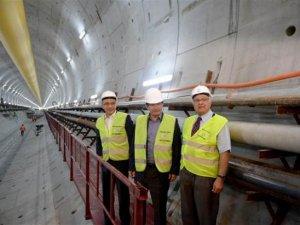 Avrasya Tüneli'nde Davutoğlu'nun gülümseten diyaloglar