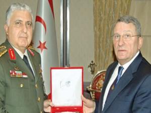 Genelkurmay Başkanı ve Eski Donanma Komutanı mahkemelik oldu