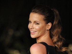 Sette rahatsızlanan Kate Beckinsale hastaneye kaldırıldı