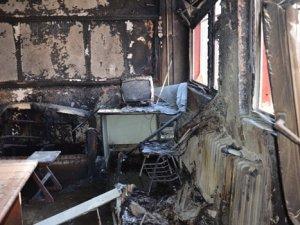 Hakkari ve Yüksekova'da 2 okul daha ateşe verildi