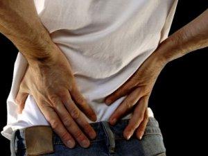 Yetişkinlerin çoğunda bel ağrısı görülüyor