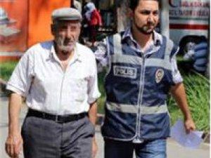 Adana'da 71 yaşındaki adam genç kızı taciz etti!