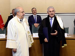 İTÜ'den Binali Yıldırım'a Fahri Doktora Unvanı