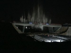 Gece yarısı köprüyü havaya uçurdular