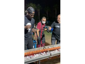 Adana Demirsporlu futbolculara kebap keyfi