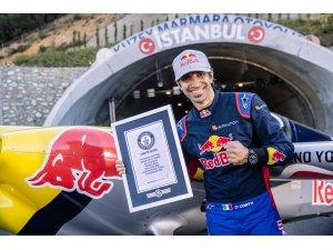 Dünya rekorlu Red Bull'un 'Tünel Geçişi' İstanbul'u dünyaya tanıttı