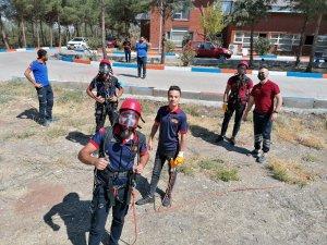 Diyarbakır AFAD ve itfaiyesinden gerçeği aratmayan ortak tatbikat