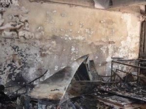 Yüksekova'da 2 okul ateşe verildi