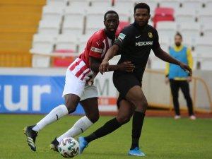 Yeni Malatyaspor-Sivasspor maçının VAR'ı Erkan Engin