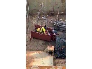 Tuzla'da zehirlenen işçilere yardım eden işçiye elektrik çarptığı anlar kamerada