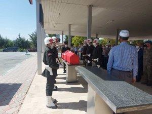 Vefat eden Arar için askeri tören