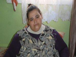 300 kiloluk kız dört yıldır sokağa çıkamıyor!