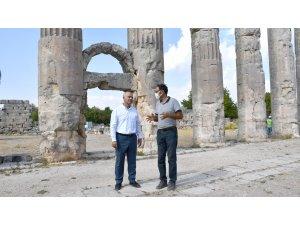 Rektör Çamsarı, Uzuncaburç Antik Kenti'ndeki kazı çalışmalarını inceledi